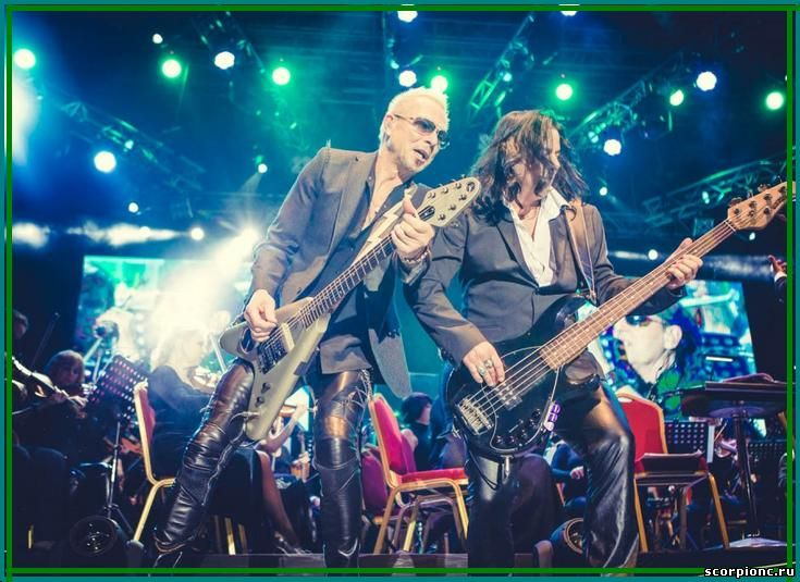 Scorpions with orkestra